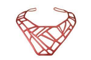 Collare-Mazinga-alluminio-anodizzato-satinato-rosso-Foto Marco Disarò